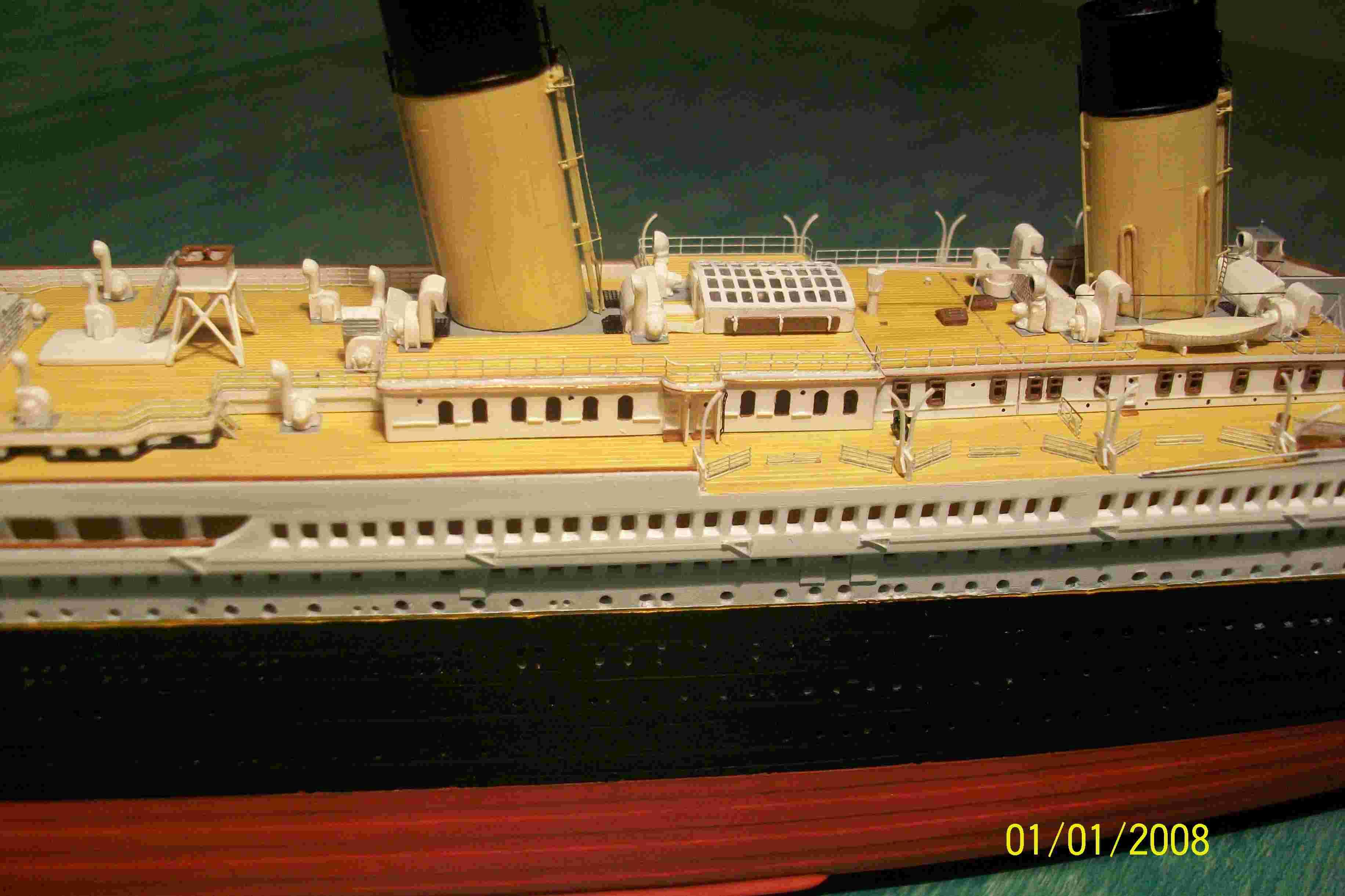 RMS Titanic-Revell 1/570 Titani11