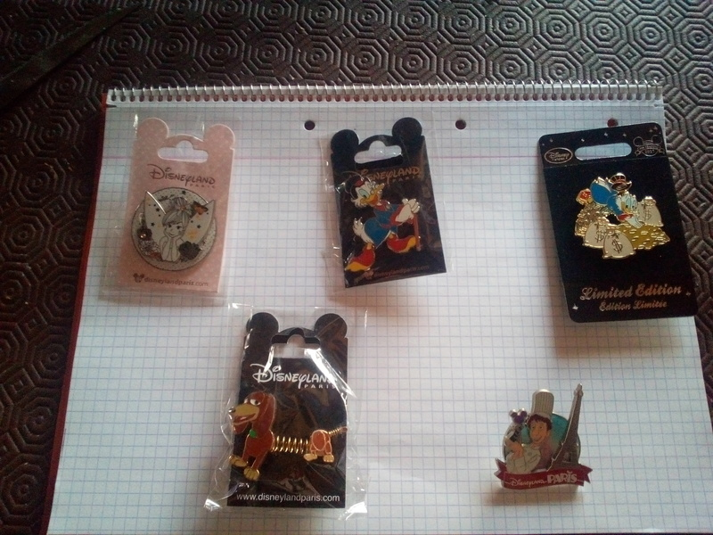 [Vente - Recherche] pin's disney / pin trading  (TOPIC UNIQUE) - Page 16 Img_2010