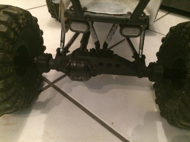 [Axial Wraith AR60] Bague de serrage T3D, extrémité de pont AV et AR - Page 2 Img_2542