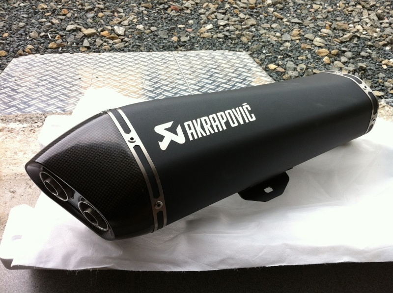 Silencieux AKRAPOVIC pour nos scooters trois roues - Page 3 Img_3816
