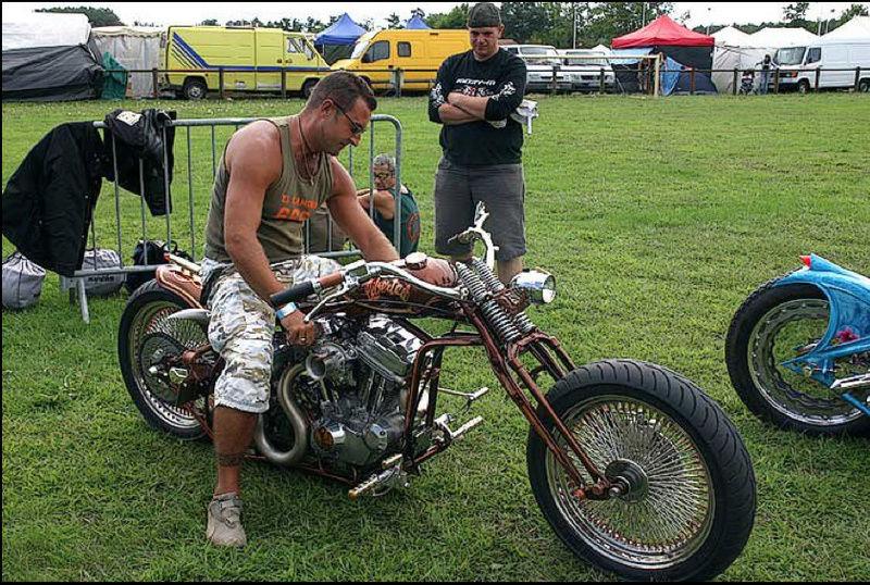 No limit à l'imagination pour les motos, Humour of course! - Page 40 No_lim10