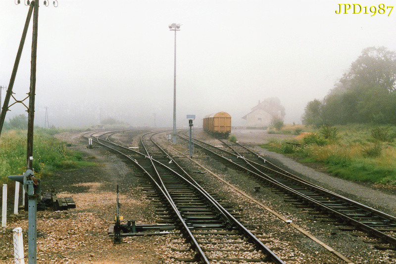 Pk 606,4 : Gare de Bertholène (12) - 1987 Pc163810