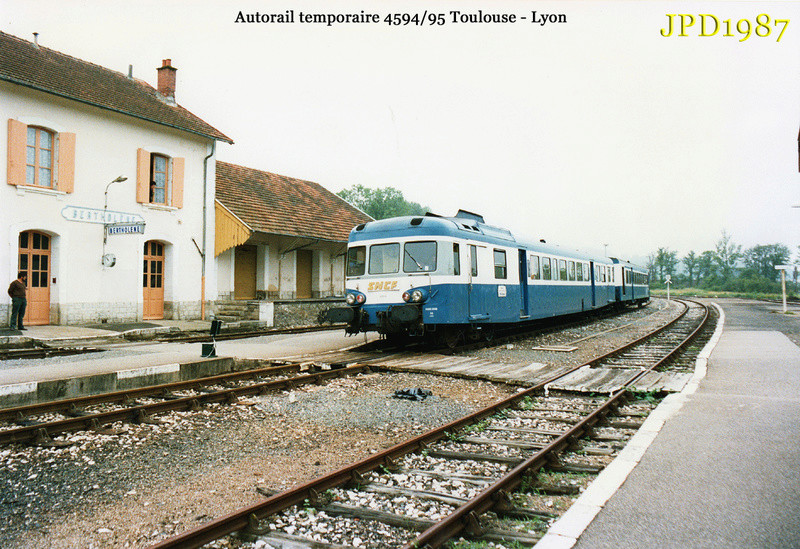 Pk 606,4 : Gare de Bertholène (12) - 1987 Pc164010