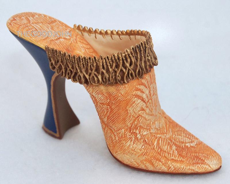 Les chaussures du XVIIIe siècle _5713