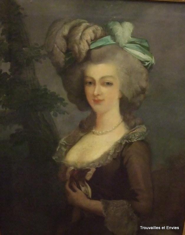 A vendre: portraits de Marie Antoinette? - Page 2 C002fa10