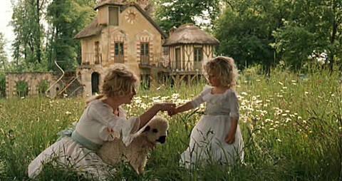 """Résultat de recherche d'images pour """"Marie-Antoinette au hameau  Coppola"""""""""""