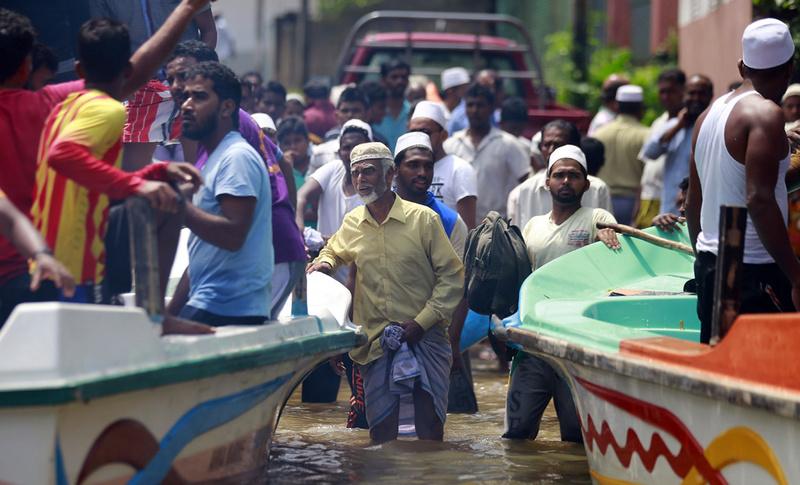 Число жертв стихии на Шри-Ланке увеличилось до 146 человек Image226