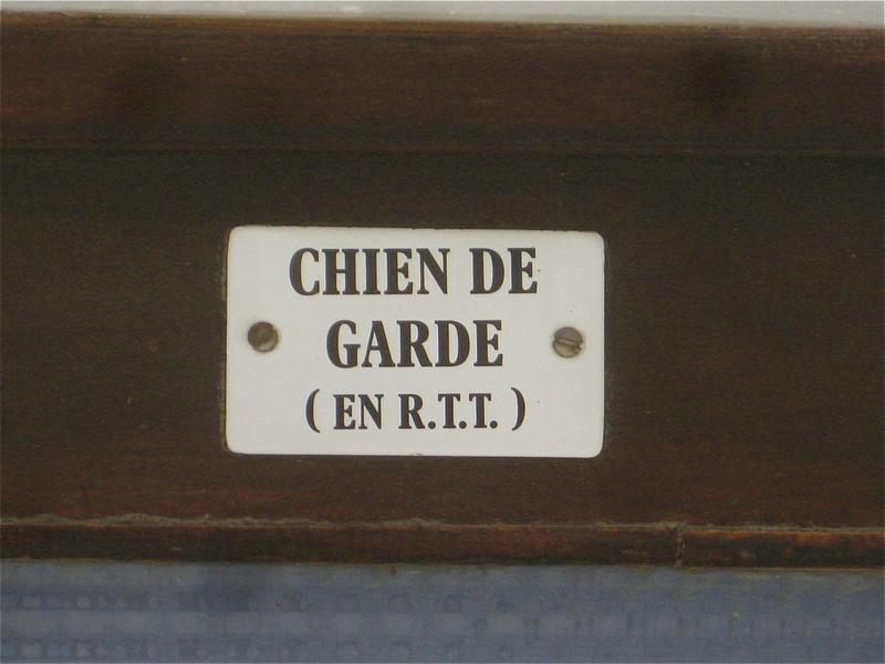 "Photos : ""insolite"" ou ""n'importe quoi"" ... hors Bretagne - Page 2 Porte10"