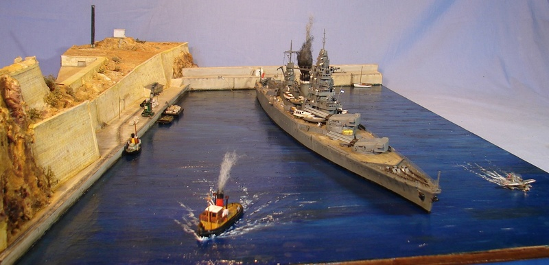 [1/400] diorama cuirassé Dunkerque à Mers El-Kébir 1940. - Page 8 Dsc00710