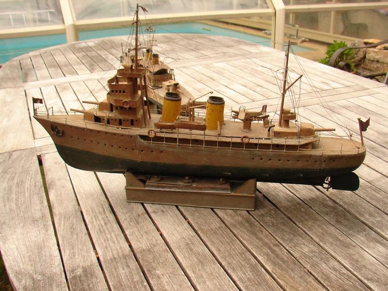 restauration maquettes-jouets Dumont d'Urville et L'Alerte Dsc01229