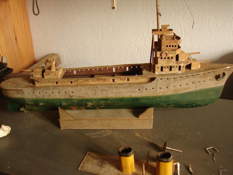 restauration maquettes-jouets Dumont d'Urville et L'Alerte Dsc01311