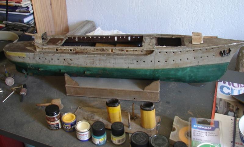 restauration maquettes-jouets Dumont d'Urville et L'Alerte Dsc01410