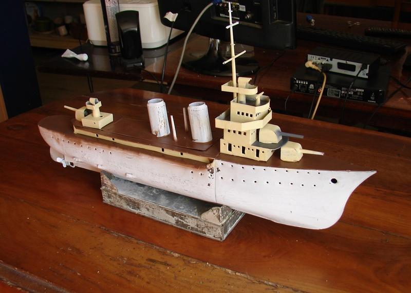restauration maquettes-jouets Dumont d'Urville et L'Alerte Dsc01513