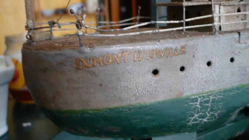 restauration maquettes-jouets Dumont d'Urville et L'Alerte P1240510