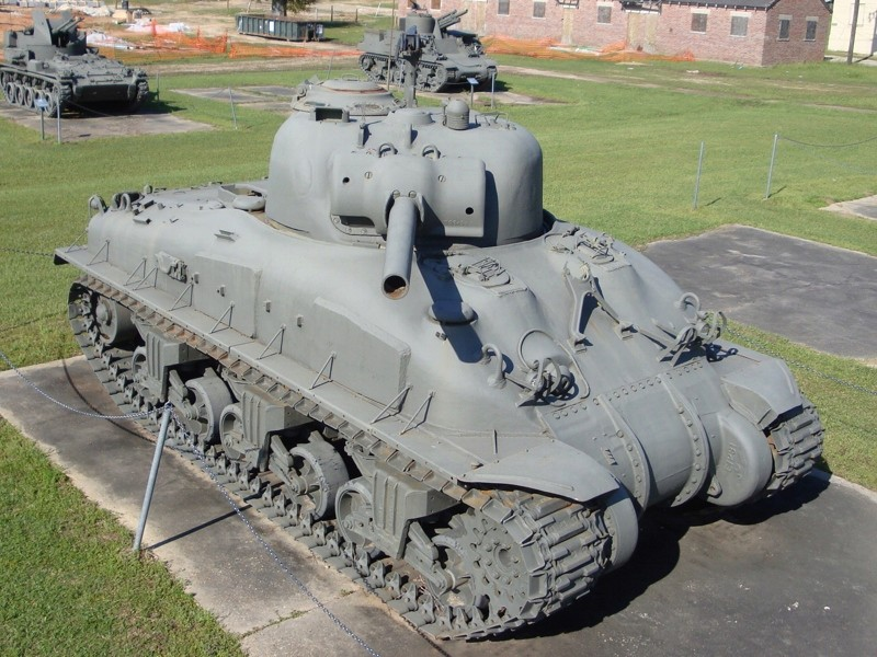 identification Sherman d' Artillerie E9susp11