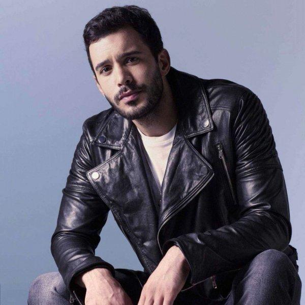 الممثل التركي باريش أردوش. 50666810