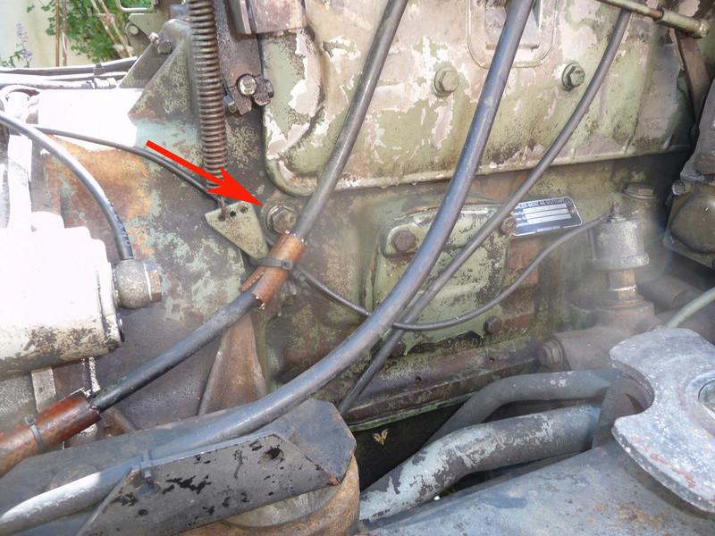 1700L : Bouchon vidange refroidissement sur bloc moteur P1090916