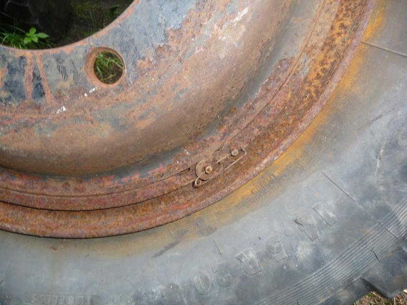 Démontage d'un pneu sur jante à cerclage (ou jante à cercle) P1090917
