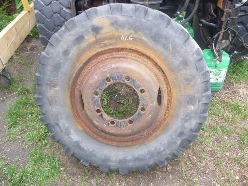 Démontage d'un pneu sur jante à cerclage (ou jante à cercle) P1090918