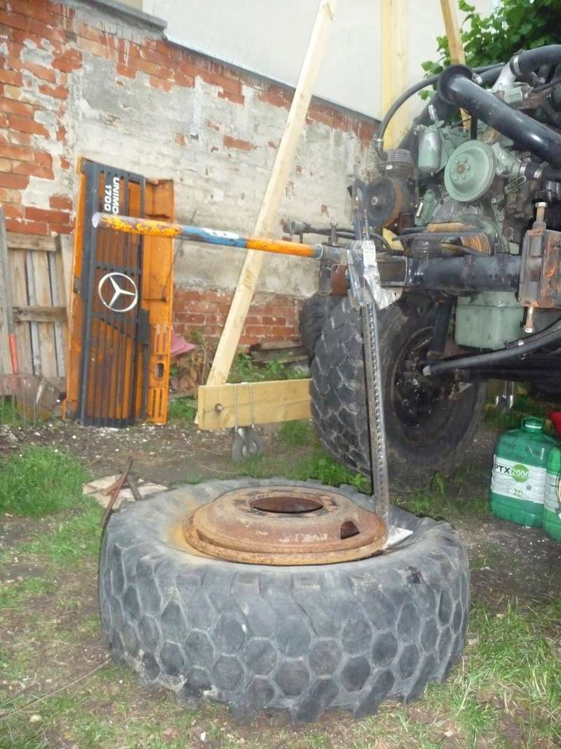 Démontage d'un pneu sur jante à cerclage (ou jante à cercle) P1090921