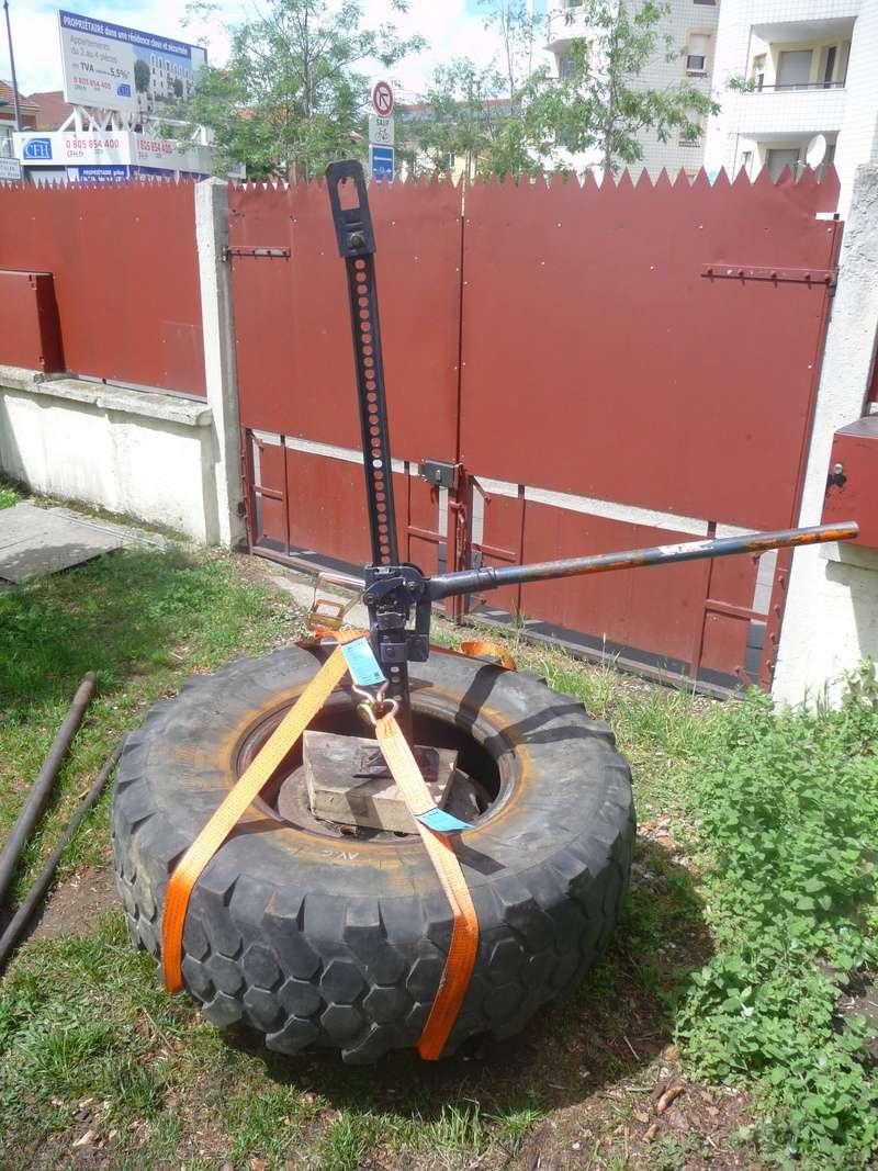 Démontage d'un pneu sur jante à cerclage (ou jante à cercle) P1100013
