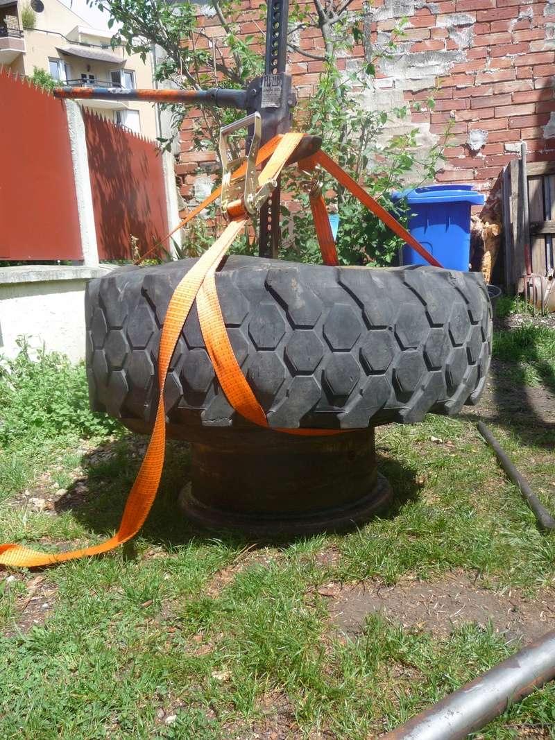 Démontage d'un pneu sur jante à cerclage (ou jante à cercle) P1100014
