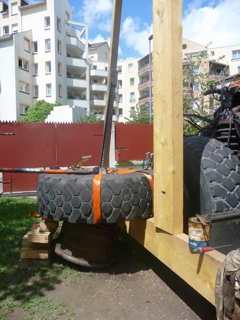 Démontage d'un pneu sur jante à cerclage (ou jante à cercle) P1100015