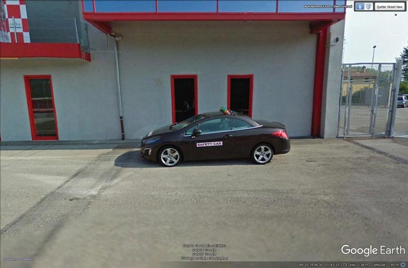Roulez sur les circuits automobile et moto avec Street View Imola210