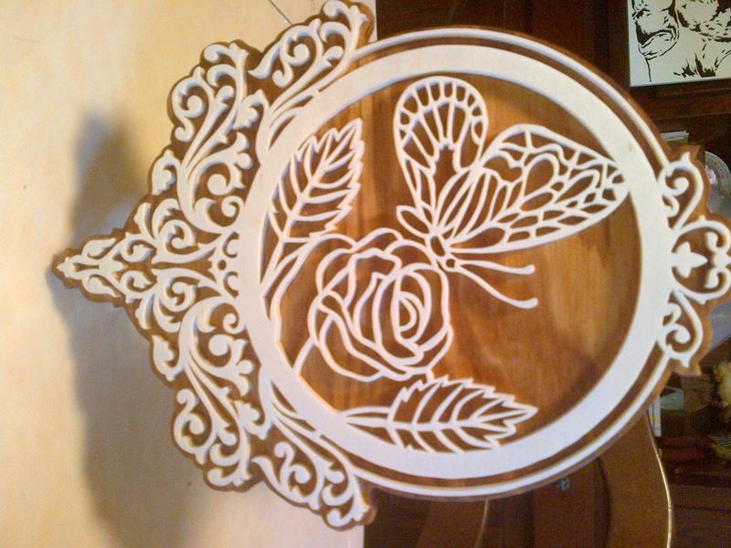 une plaque d ornement papillon  Plaque11