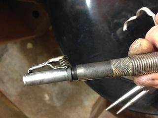 cable intérieur du flexible Techdent cassé: réparation d'urgence possible? Img_0810