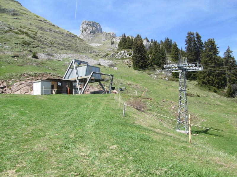 Construction du télésiège débrayable 4 places Le Fer-Brion-Tête d'Ai à Leysin VD Suisse (TSD4) Img_1948