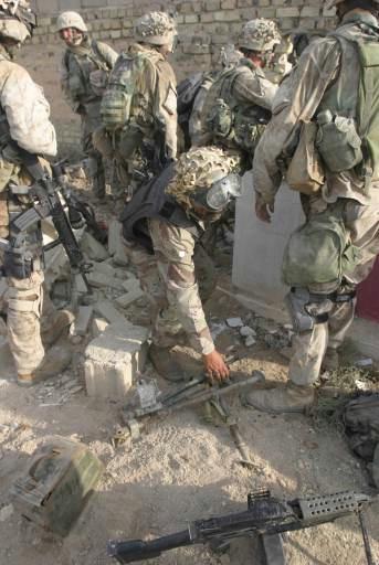 Post-Invasion Black Iraqi Body Armor Vest Pict7810
