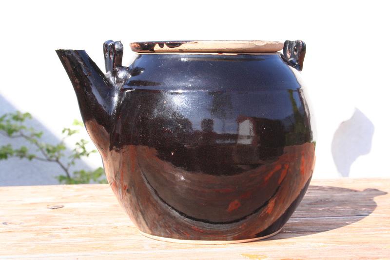 Large Tenmoku glaze teapot...Chinese? Img_0716