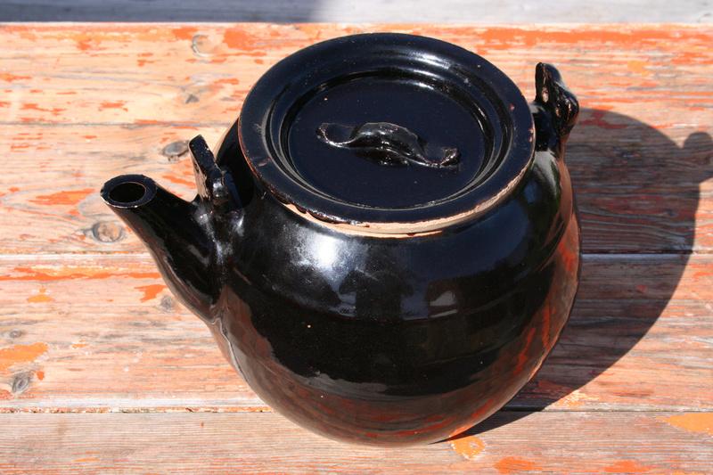 Large Tenmoku glaze teapot...Chinese? Img_0717