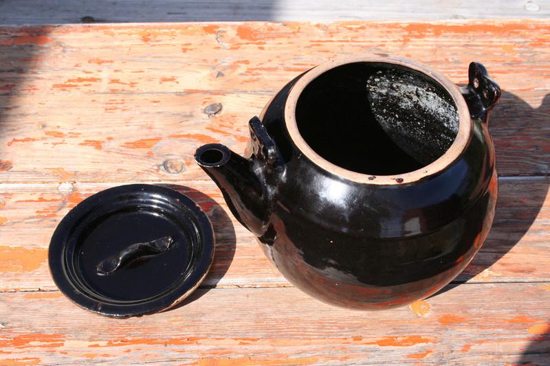 Large Tenmoku glaze teapot...Chinese? Img_0718