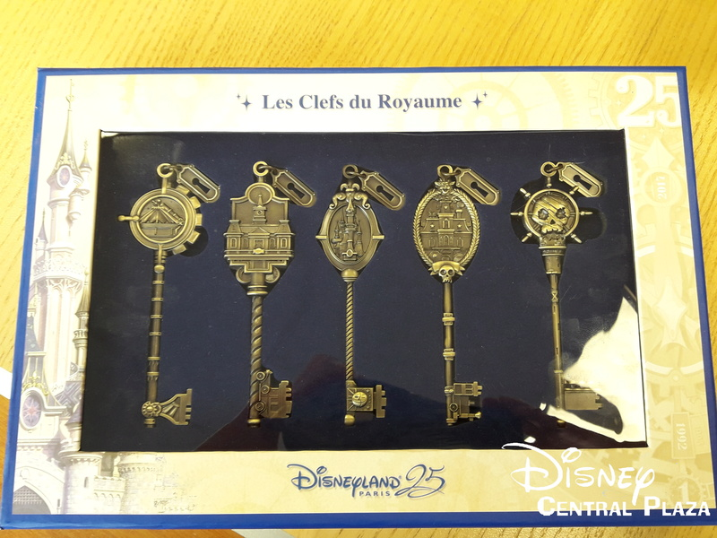 Présentation du Merchandising des 25 ans de Disneyland Paris 20170233