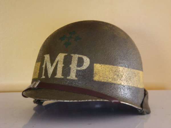 L'UNIFORME DE LA 4th INFANTRY DIVISION : LE CASQUE M1 32227710