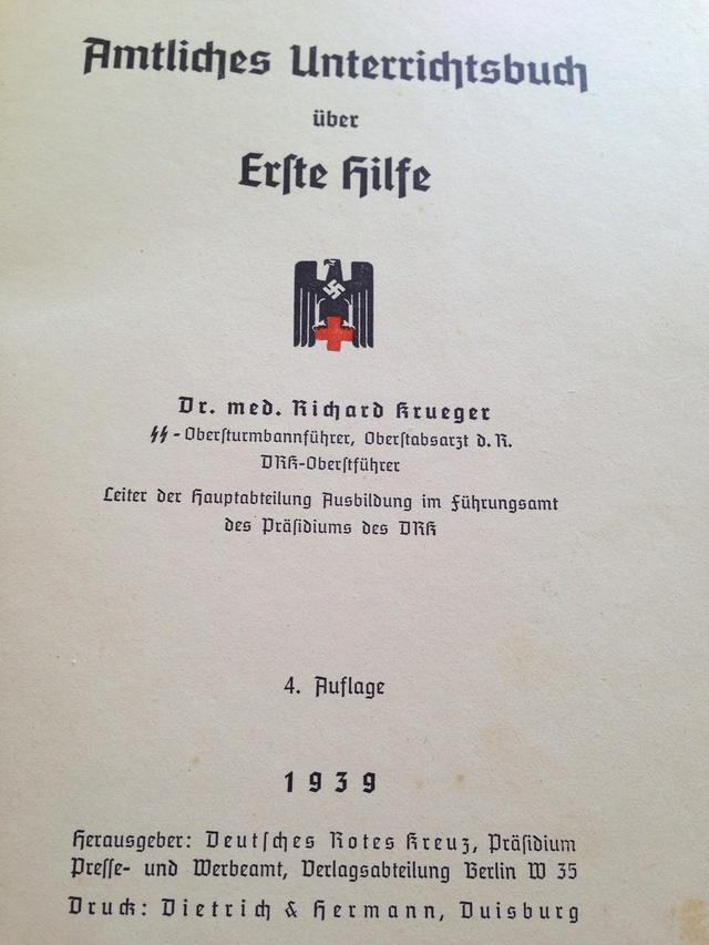Deutsche Rote Kreuz (DRK), la tenue de l'aide soignante allemande Img_0420