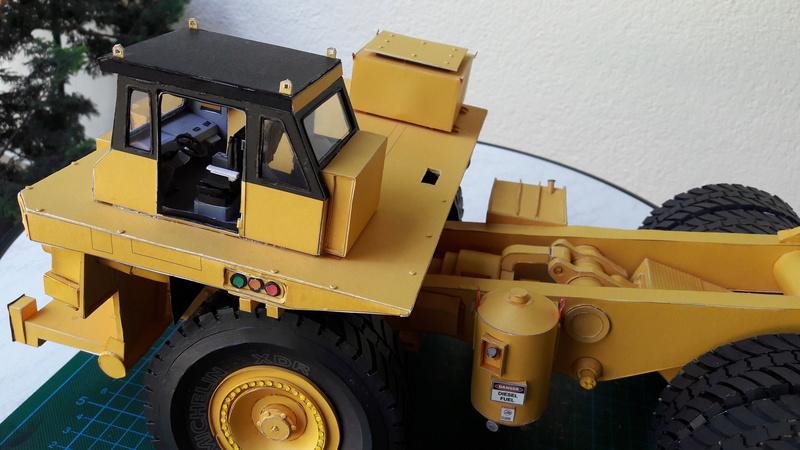Fertig - Tagebau-Truck Kamatsu 830 E-AC gebaut von Holzkopf - Seite 4 20170103