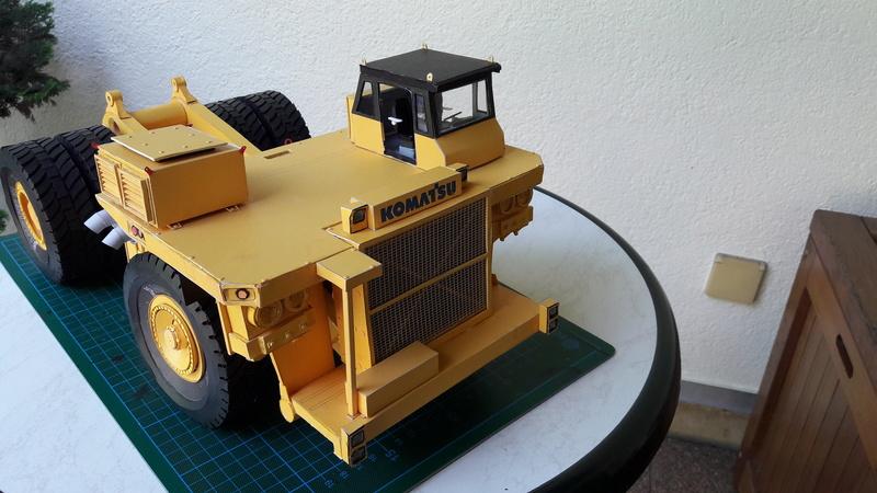 Fertig - Tagebau-Truck Kamatsu 830 E-AC gebaut von Holzkopf - Seite 4 20170104