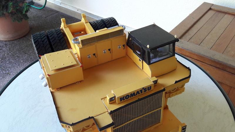 Fertig - Tagebau-Truck Kamatsu 830 E-AC gebaut von Holzkopf - Seite 4 20170108