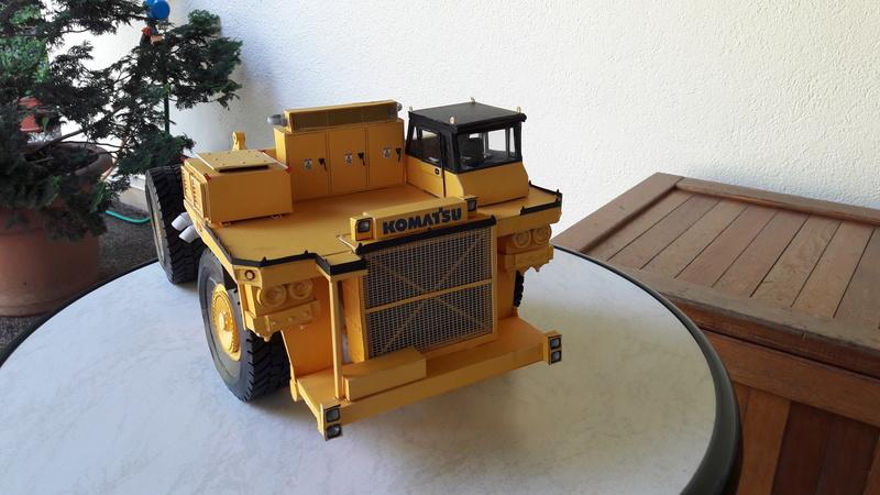 Fertig - Tagebau-Truck Kamatsu 830 E-AC gebaut von Holzkopf - Seite 4 20170112