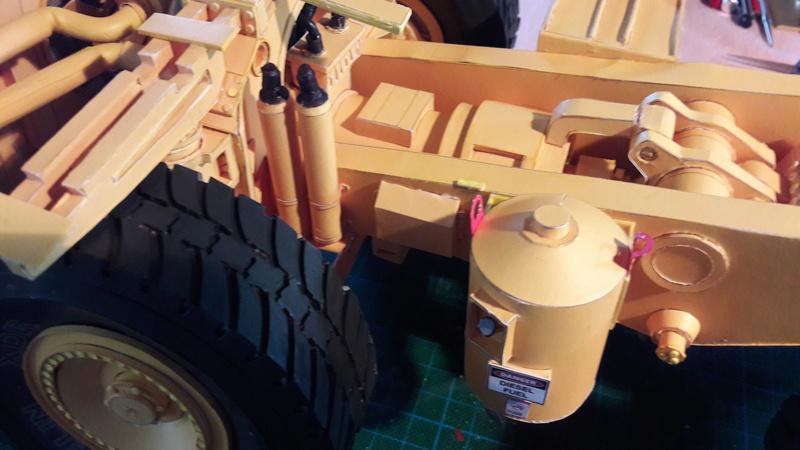 Fertig - Tagebau-Truck Kamatsu 830 E-AC gebaut von Holzkopf - Seite 3 20170577
