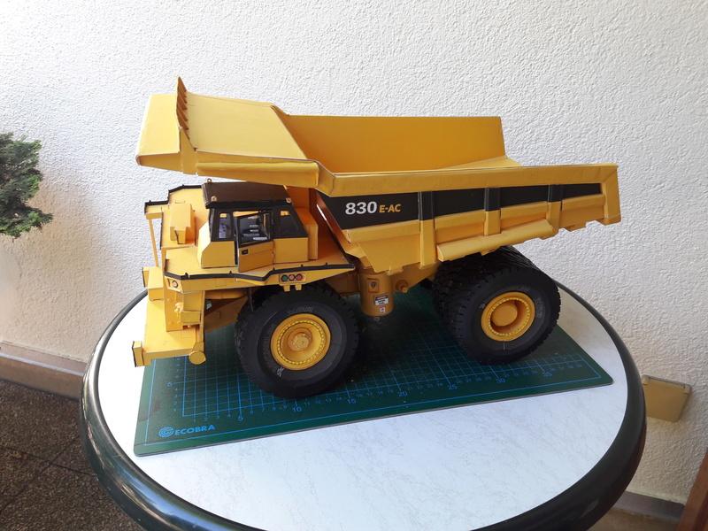 Fertig - Tagebau-Truck Kamatsu 830 E-AC gebaut von Holzkopf - Seite 4 20170658