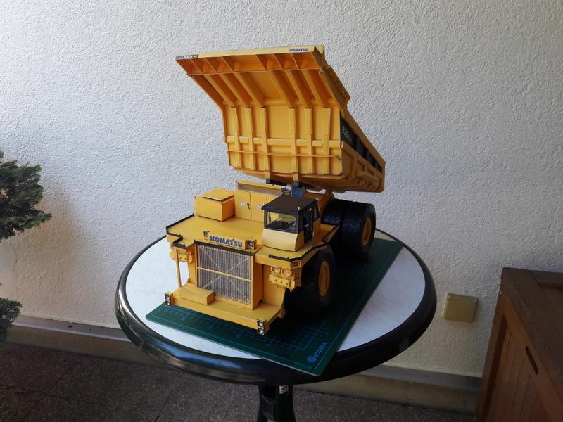 Fertig - Tagebau-Truck Kamatsu 830 E-AC gebaut von Holzkopf - Seite 4 20170660
