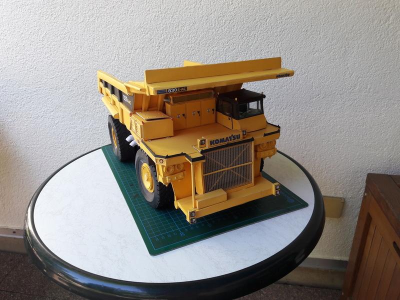 Fertig - Tagebau-Truck Kamatsu 830 E-AC gebaut von Holzkopf - Seite 4 20170661
