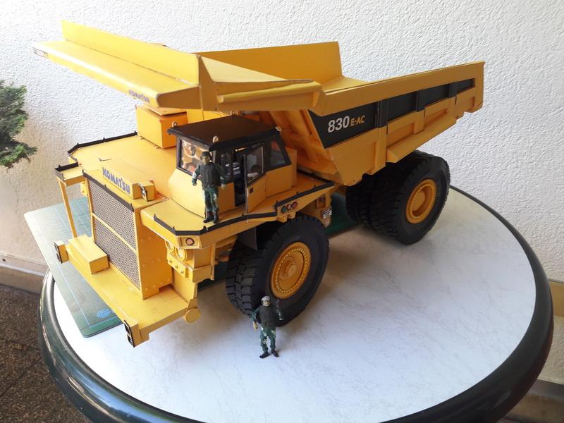 Fertig - Tagebau-Truck Kamatsu 830 E-AC gebaut von Holzkopf - Seite 4 20170664