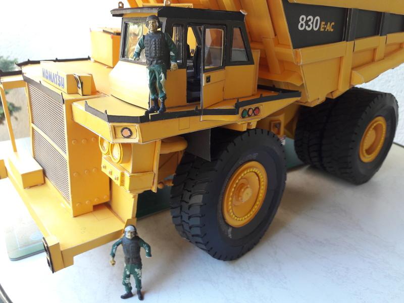 Fertig - Tagebau-Truck Kamatsu 830 E-AC gebaut von Holzkopf - Seite 4 20170665