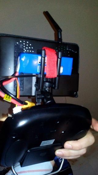 Nuevo soporte para smarthone en nuestra emisora. Img-2015