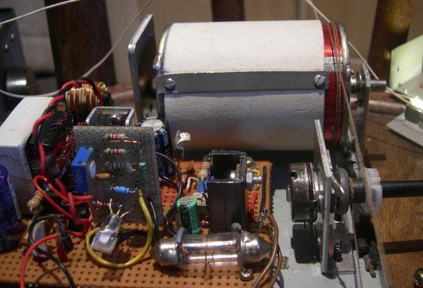 Réalisation d'un Grid Dip Oscillator (GDO) à tube. Partie mécanique Meca210